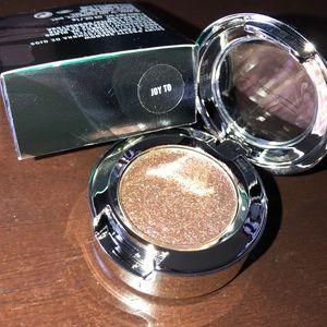 MAC joy to eyeshadow